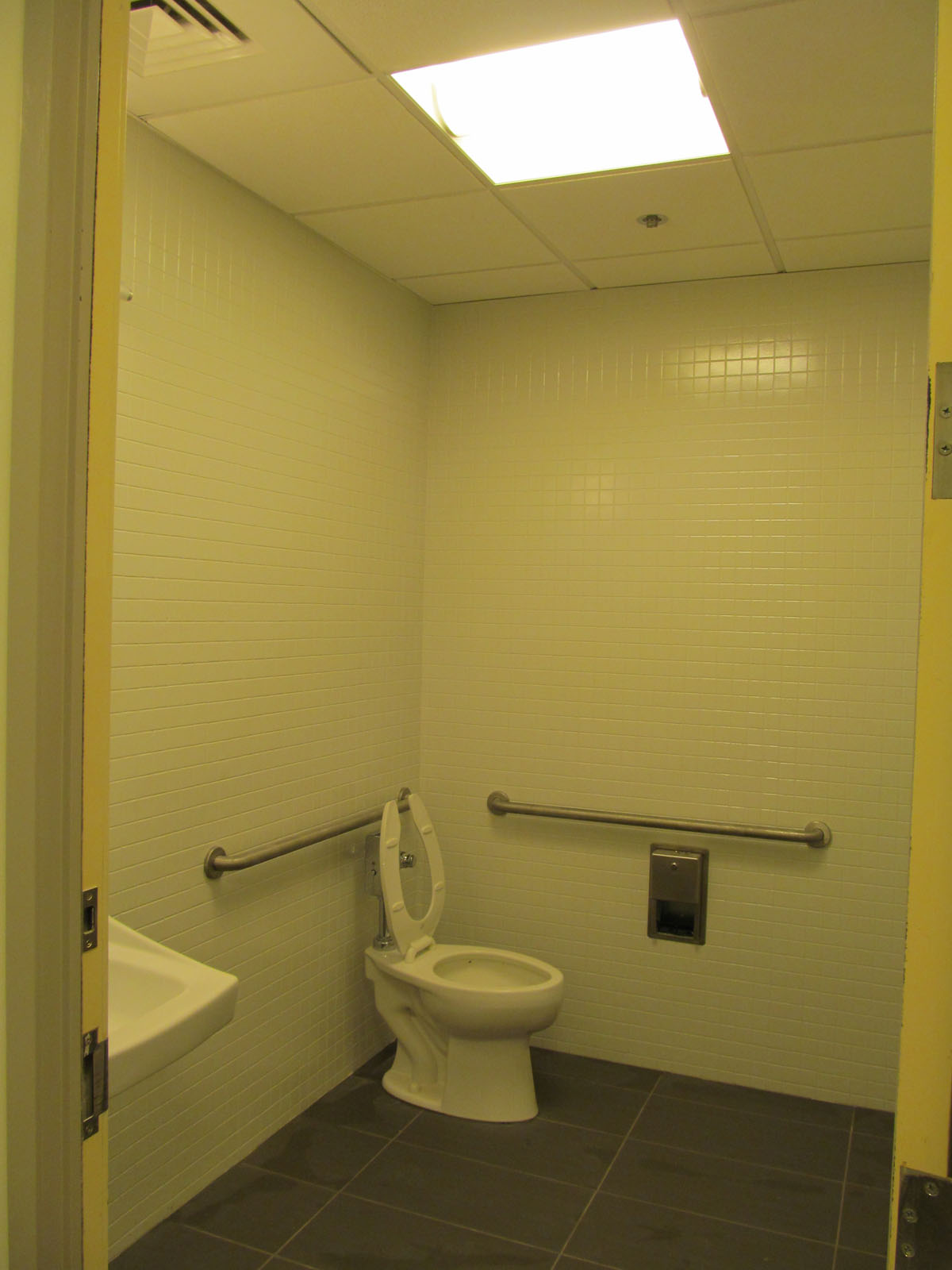230 Congress St. Boston, MA - Commercial Refinishing Bathroom - After