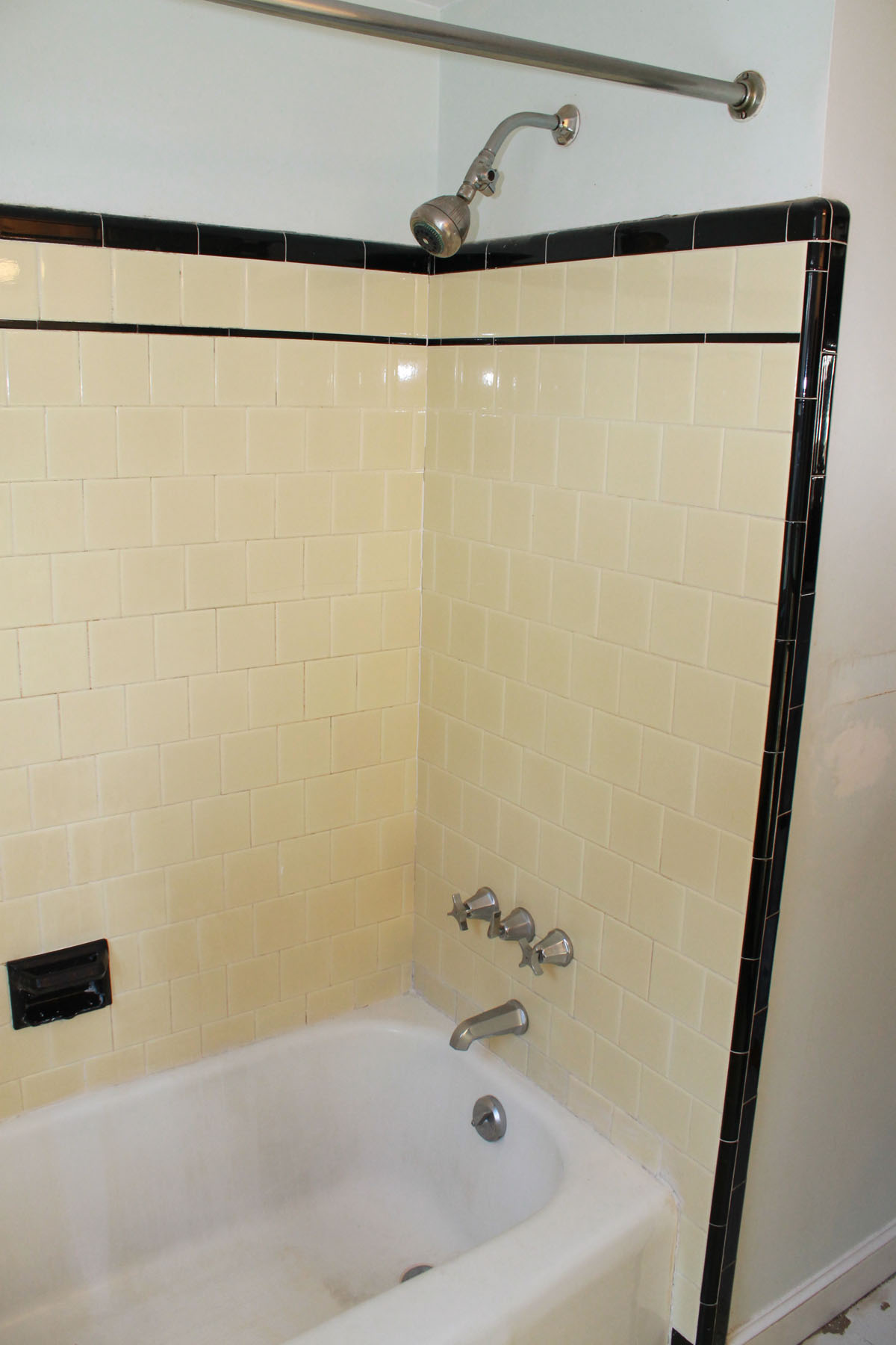 Tub And Tile Reglazing Bay State Refinishing Remodeling - Reglazing bathroom tile before and after