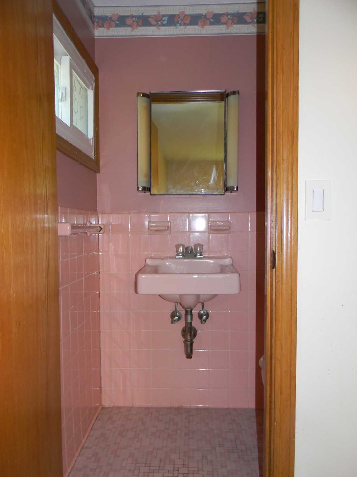 North St Newton - before view of sink and pink tile