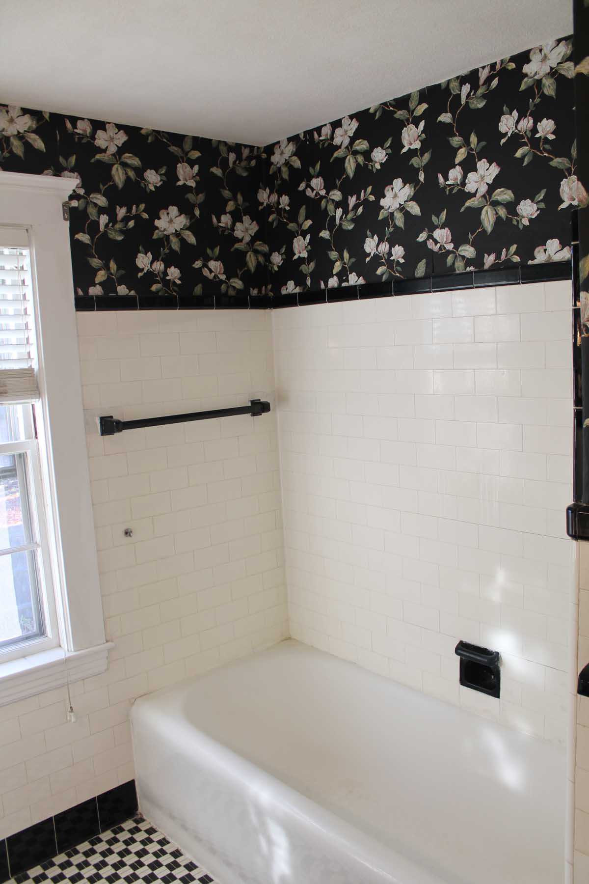 Wayne Rd. Needham - bathtub, and tile details before renovation